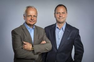 Kredite Geschäftsführern der Stiftungsberatung, Knuth Browatzki (Links) und Dr. Siegfried Kade
